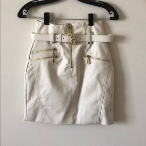 guess high waisted jenny moto skirt white